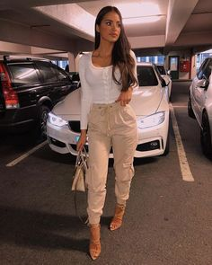 Anzeige/ad About yesterday😊 Top Cargo Pants Niloufar Moosa. - Anzeige/ad About yesterday😊 Top Cargo Pants Niloufar Moosaei Shoes Ego Official Source by - Sneakers Fashion Outfits, Sporty Outfits, Cute Casual Outfits, Stylish Outfits, Fall Outfits, Looks Chic, Casual Looks, Cargo Pants Outfit, Jogger Pants