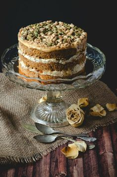 This Momofuku pumpkin pie cake is a delicacy and a gourmet eating experience from every single point of view!