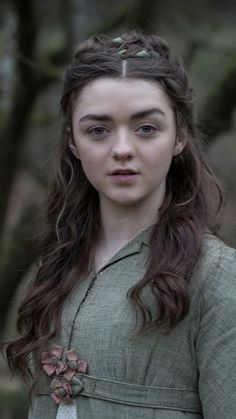 """Arya Stark Game of Thrones Actress """"Maisie Williams"""" Wallpapers HD 2019 - Dailly Point Dessin Game Of Thrones, Arte Game Of Thrones, Game Of Thrones Arya, Game Of Thrones Girl, Game Of Thrones Characters, Rose Leslie, Sansa Stark, Maisie Williams, Costumes Game Of Thrones"""