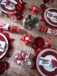 Rote Tischdeko