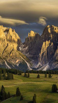 #Alpe di Siusi, Dolomiten, Trentino Alto Adige, #Italy   -   http://dennisharper.lnf.com/