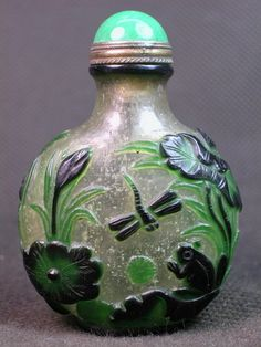 Chinese Dragonfly Carved Peking Overlay Glass Snuff Bottle