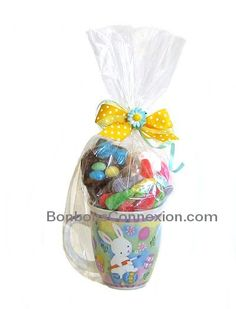 Easter candy cone pques cornet de bonbons eastercandycones easter candy gift basket pques emballage cadeaux de bonbons eastergiftbaskets panierscadeauxpaques negle Choice Image