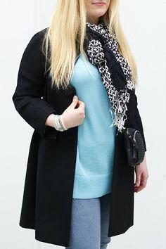 Butik Carla, asukuva // knit coat scarf turquoise outfit