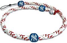 MLB New York Yankees Classic Frozen Rope Baseball Necklace