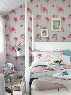 Cottagecore bedrooms: the spring trend we're predicting will last | Country Diy Home Decor Bedroom For Teens, Diy Home Decor For Apartments, Diy Home Decor Rustic, Diy Bedroom Decor, Bedroom Ideas, Bedroom Inspiration, Bedroom Setup, Bedroom Seating, Bedroom Pictures
