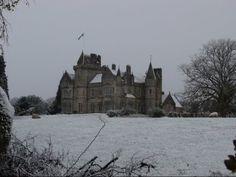 Mind villa in the snow.