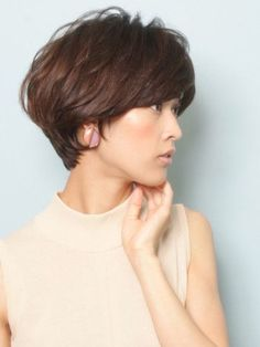 Short haircuts for Asian American women over 40