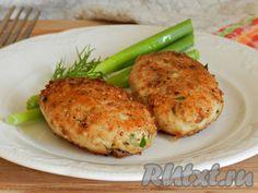 Предлагаю приготовить вкусные и сочные куриные котлеты с картошкой. В этом рецепте в фарш не надо добавлять ни хлеб, ни яйцо. Курино-картофельные котлетки получатся мягкими и будут хорошо держать форму, благодаря картофелю. Для таких котлет не обязательно готовить гарнир, их можно подать с ...