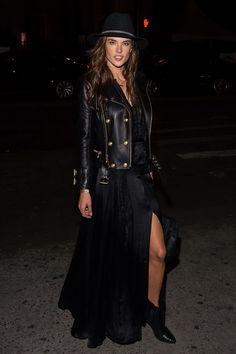 Alessandra Ambrosio - black on black!