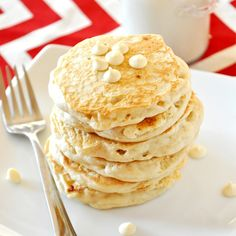 white-chocolate-macadamia-nut-cookie-pancakes1