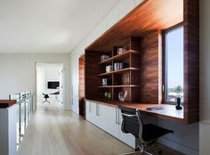 Modern Home Office // Innovative work space tucked in the main circulation space - Bay House by Leroy Street Studio Built In Desk, Built Ins, Office Workspace, Box Office, Waterfront Homes, Home Office Design, Office Interiors, Interior Office, Beautiful Homes