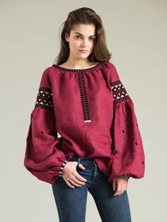 Жіноча вишиванка ES2 – купити ручну роботу по найкращій ціні від ЕтноДім