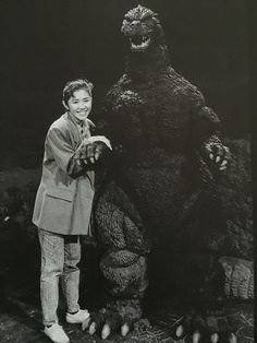 Yoshiko Tanaka and Godzilla [x] Japanese Film, Japanese American, Turner Classic Movies, Classic Films, Japanese Superheroes, Japanese Monster, Classic Monsters, Monster Art, Psychobilly