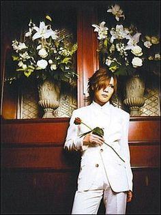Kai (the GazettE) aww, is that rose for me? :3 >ω<