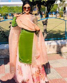 Punjabi Suits Party Wear, Punjabi Salwar Suits, Bridal Suits Punjabi, Patiala Salwar, Punjabi Suits Designer Boutique, Indian Designer Suits, Designer Party Wear Dresses, Kurti Designs Party Wear, Pakistani Dress Design