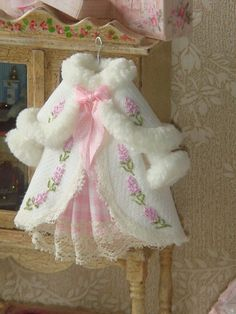 "Diy Crafts - Coats,Little-[ ""I absolutely love this little dress set. I wish I could find a pattern online for this. OOAK-Dollhouse Girl coat on han Sewing Doll Clothes, Sewing Dolls, Doll Clothes Patterns, Bjd, Girls Dollhouse, Diy Dollhouse, Barbie, Cloth Flowers, Clothing Patches"