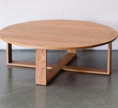 Attrayant Small Round Oak Coffee Table Coffetable | 246 Living Room Inspiration |  Pinterest | Oak Coffee Table, Living Room Inspiration And Room Inspiration