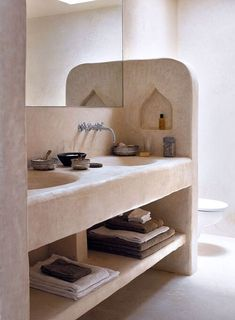 Home Decor Kitchen, Home Decor Accessories, Bathroom Interior Design, Home Remodeling, Home Decor, House Interior, Home Interior Design, Minimalist Home, Rustic House