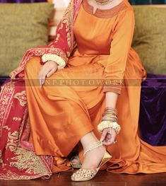 Simple Pakistani Dresses, Pakistani Wedding Dresses, Pakistani Dress Design, Stylish Dresses, Nice Dresses, Fashion Dresses, Makeup And Beauty Blog, Party Suits, Kurti Neck Designs