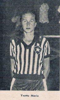 A botafoguense Yvette Mariz representou o Brasil no Campeonato Sul-Americano de 1945, em Montevidéu, e após conquistar o recorde brasileiro (37m40s) sagrou-se campeã sul-americana de arremesso de disco.