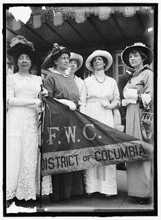 Delegation from GFWC to White House 1914