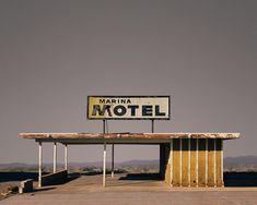 Marina Motel, Salton Sea, California – Ed Freeman Photography Abandoned Buildings, Abandoned Places, Bar Americano, Ed Freeman, Desert Aesthetic, Fotografia Macro, Photo Series, Color Photography, Artistic Photography