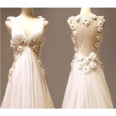 I think it looks like a Lord of the Rings wedding dress(:  I <3 it!