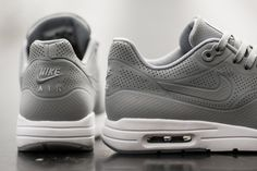 nike-air-max-1-ultra-moire-wolf-grey-03