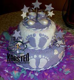 Torta de Baby Shower con zapaticos modelados