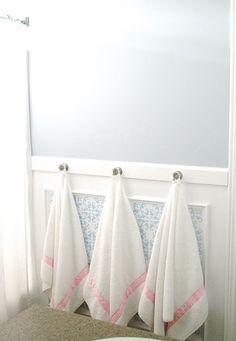 Kids' bathroom towel knobs