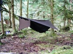 My lovely wife gave me a Hennesy Expedition A-sym Zip hammock from REI for our Anniversary.I wanted a new hammock for this year, and she went and. Camping Survival, Survival Kit, Camping Gear, Eno Hammock, Hammocks, Hennessy Hammock, Forest School, Bow Hunting, Bushcraft