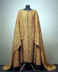 Burial garment of Italian noble man Cagrande della Scala (1329) is now in Museo di Castel Vechio, Verona