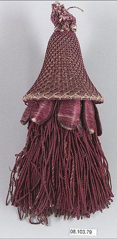 I love tassels! And this one is fabulous. And it is from the 18th century. Wow!
