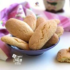 BISCOTTONI DA INZUPPO FACILI E VELOCI Sono davvero facilissimi da fare questi biscottoni da inzuppo, ottimi da pucciare nel latte o nel te' caldo per la prima colazione o la merenda !