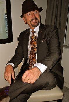 Hugo Boss 2-button suit, Gömlek shirt, Zanetti tie, Kenneth Cole boots & Derek Alexander bag   #menstyle #menswear #menscouture #mensfashion #instafashion #fashion #hautecouture #sartorial #sprezzatura #style #dapper #dapperstyle #pocketsquare