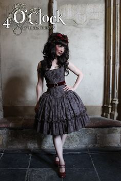So pretty! I love the bell-shape of the skirt and the v-shape of the bottom of the corset top.