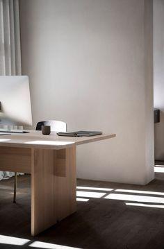 Norm Architects erstellt minimalistischen Arbeitsplatz für Kinfolk Magazin in Kopenhagen #vincentvan #vanduysen #living #interior #pinterest #wohnen #design