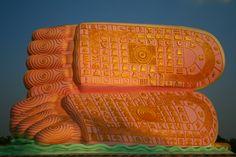 Buddha's feet @ Bago (Naung Daw Gyi Mya Tha Lyaung)