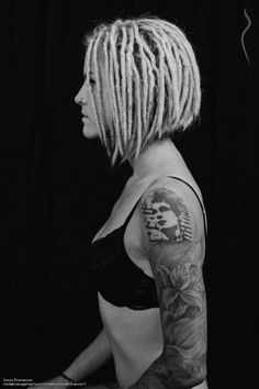 Short Dreads – About Hair Dread Braids, Dreads Short Hair, Dreadlocks Girl, Baby Dreads, Blonde Dreads, Shorts Dreads, Dreadlock Hairstyles, Cool Hairstyles, White Girl Dreads