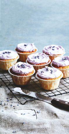 honey and lavendar cakes
