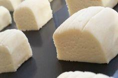 Pastane usulü un kurabiyesi nasıl yapılır? Pastane usulü kurabiyeleri bir kaç saat için de doğal bir şekil de evinde yapmayı kim istemez.