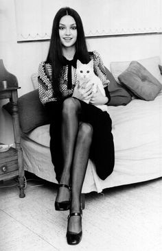 Victoria Principal - later known to us all as Pamela in Dallas - with her cat Motza