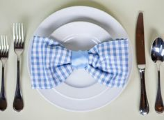 Bow tie folded napkins - perfect for baby showers.pink polka dots for a girl.blue gingham for a boy Bow tie folded napkins - perfect for baby showers.pink polka dots for a girl.blue gingham for a boy Bow Tie Napkins, Napkin Folding, Take The Cake, Blue Gingham, Blue Bow, Diy Bow, Deco Table, Decoration Table, Baby Boy Shower