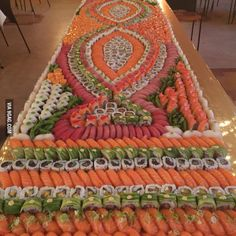 17 Oddly Satisfying Photos of Common Objects Organized Neatly into a Work of Art - My Modern Met Sushi Buffet, Sushi Platter, L'art Du Sushi, Satisfying Photos, Oddly Satisfying, Enjoy Your Meal, Sushi Love, Sushi Party, Food Goals
