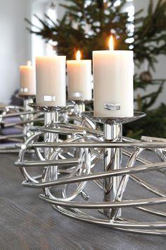Moderner CORONA Kerzenleuchter von FINK, 4 Kerzenhalter, vernickelt. Vielfältig dekorierbar. http://www.deSaive-deSign.de/CORONA-Leuchter