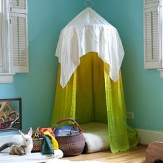 25 DIY Hideouts: Forts, Tents, Teepees & Playhouses. Love this as a reading nook in my daughter's room!  Good place for her bean bag chair in place of the cushion.