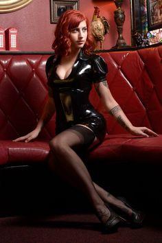 "ectobuddha: ""Pin up girl in latex "" Nylons, Women In Garter Belts, Latex Girls, Latex Dress, Jolie Photo, Sexy Skirt, Nylon Stockings, Latex Fashion, Boss Lady"