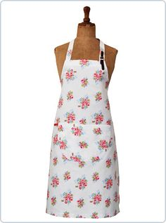 Hetty, apron roses, lether strap http://www.cherryonthepie.com/product.php?artid=112=17 € 29,95