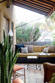 屋外,テラス,リビング,オーニング,屋外家具,雰囲気